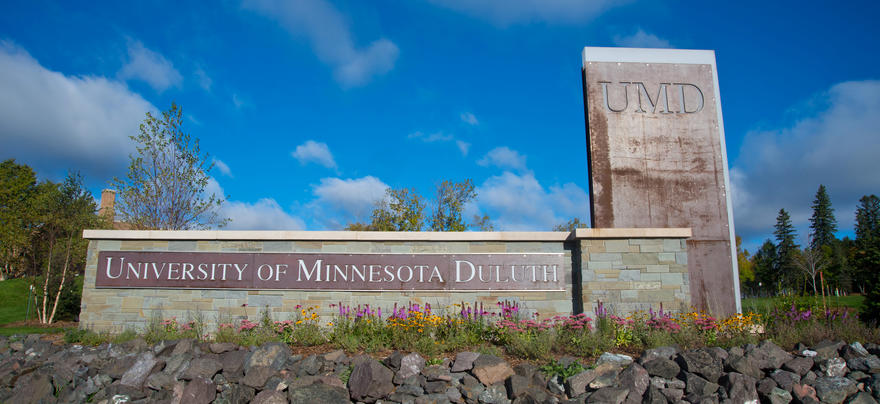 University of Minnesota Duluth outdoor sign