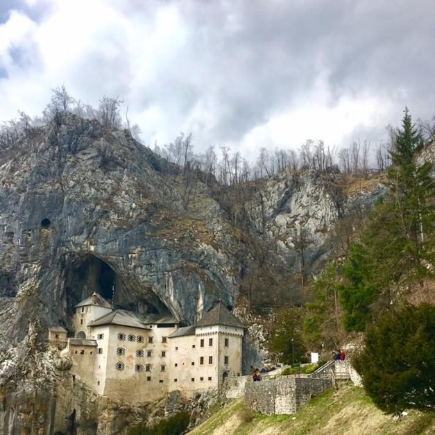 Postojama Castle